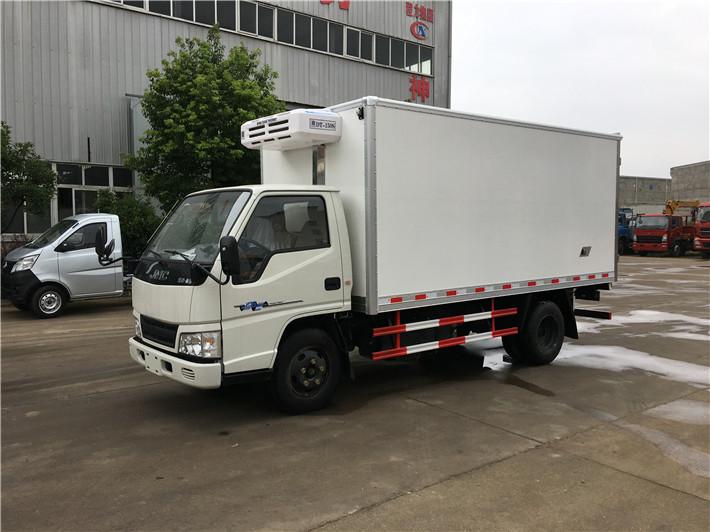 国五江铃厢长冷藏车4.2米